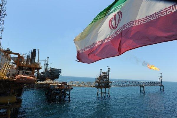 روس نفت: امتناع از همکاری با ایران به ضرر اقتصاد اروپا است