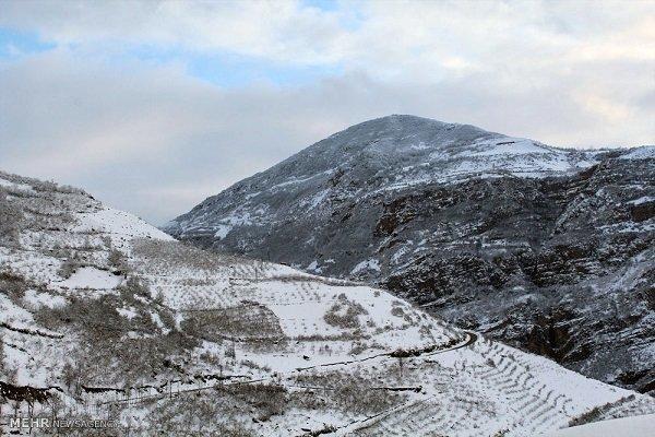 دمای هوا 10 درجه کاهش می یابد، بارش برف در ارتفاعات گلستان