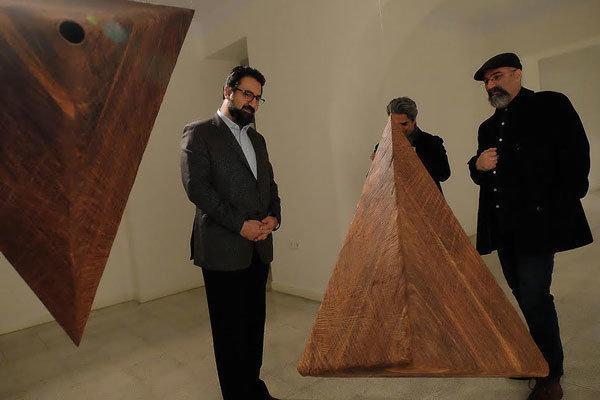 بازدید معاون هنری از هفته هنر تیرآرت و نمایشگاه فرصت