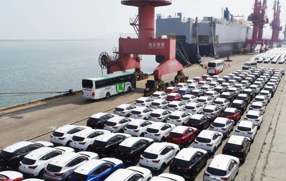ترامپ اجرای تعرفه واردات خودرو را به 6 ماه بعد موکول کرد