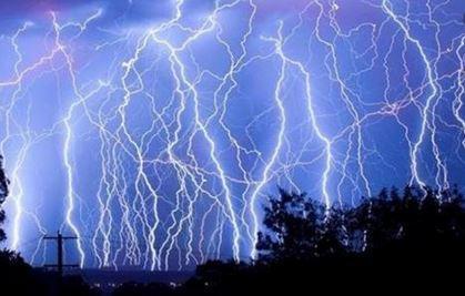 باران و رعد و برق کشور را فرا می گیرد