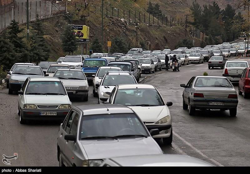 جاده های استان قم محور تردد 24 میلیون خودرو در سال است