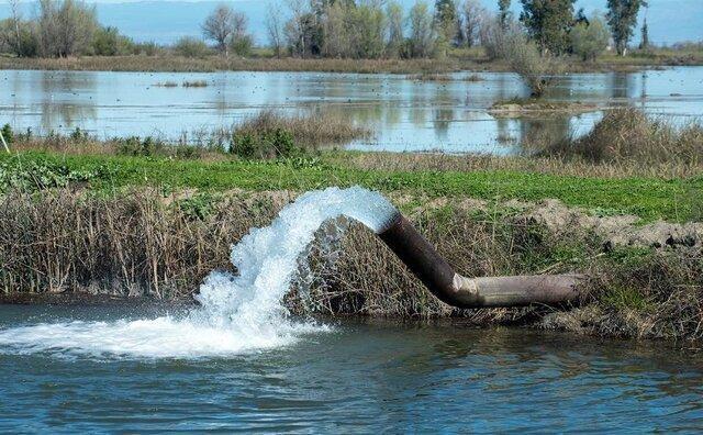 در شرایط بی آبی مردم نمی توان در خانه باغ ها بی رویه آب مصرف کرد