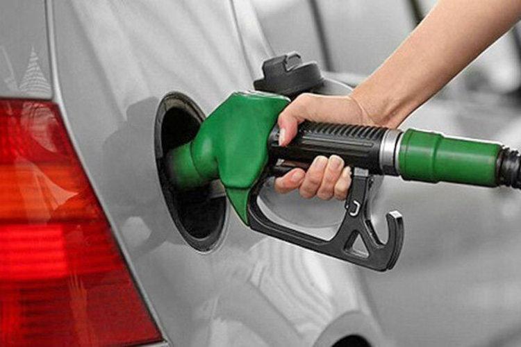 سهمیه بنزین اردیبهشت امشب واریز می گردد