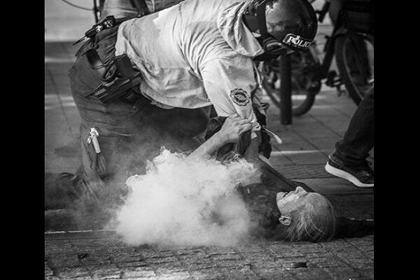 درگیری جوانان خشمگین در حومه پاریس با پلیس ادامه یافت
