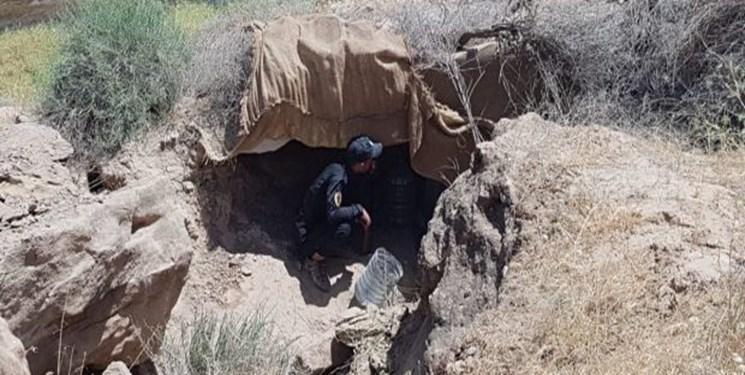 الحشد الشعبی اسنادی به زبان اسپانیایی را در مخفیگاه های داعش یافت