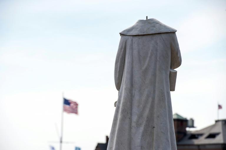 اعتراض علیه نژادپرستی، تخریب مجسمه کریستوف کلمب در آمریکا