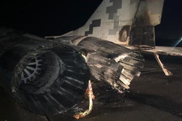 انهدام جنگنده میگ اوکراین در یک تصادف رانندگی