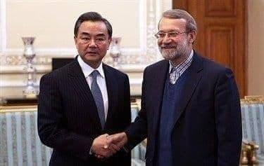 ملاقات وزیر خارجه چین با لاریجانی خبرنگاران